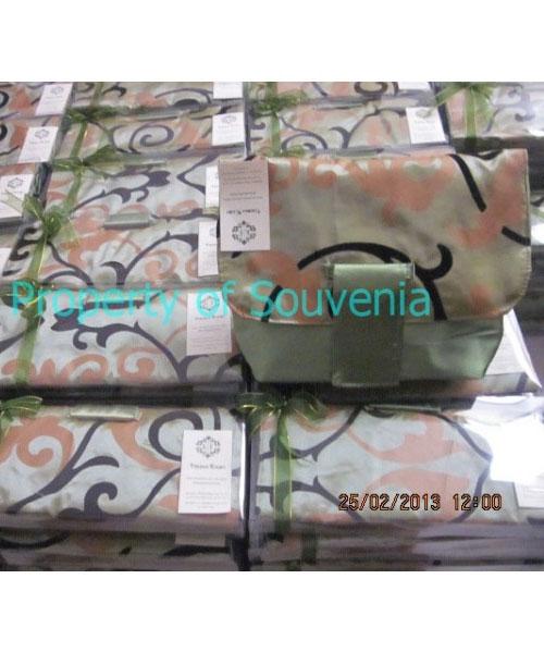 Contoh-Packing-Handcase-Satin-Flocking-dan-Mika