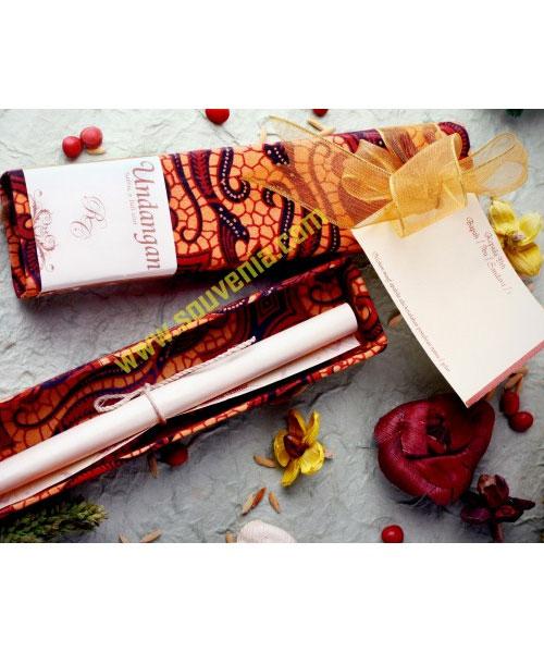 Undangan-Pernikahan-Tempat-Pensil-Batik-U2-2